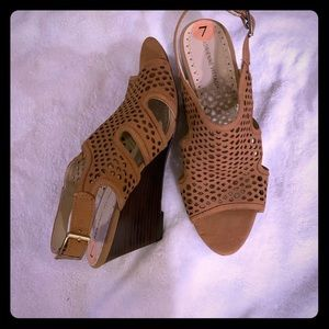New tan wedge sandals!!